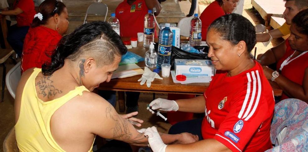 Realizan pruebas de VIH a privados de libertad
