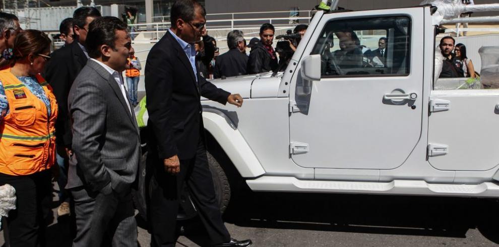El papa llega a un Ecuador católico
