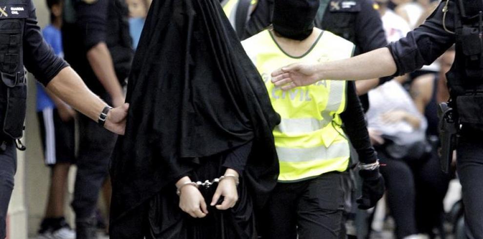 Detenida en España una joven que iba a viajar a Siria para unirse al EI