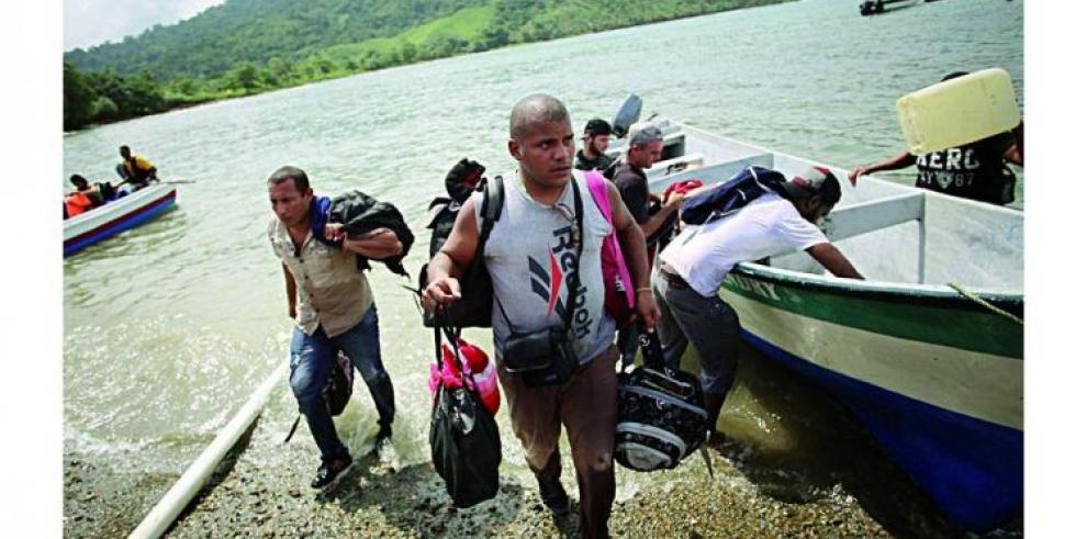 Casi 200 cubanos llegan a Puerto Obaldía