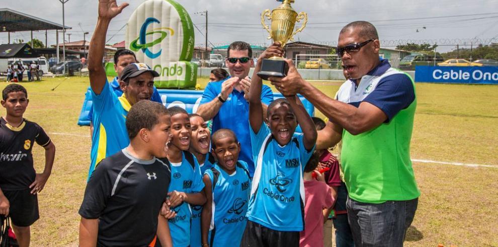 Compromiso futbolístico con los niños