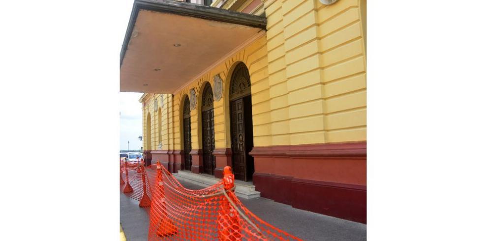 Teatro Nacional, cerrado y pendiente de evaluación