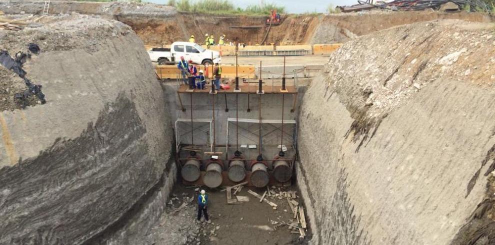 Comenzó la inundación de las nuevas esclusas