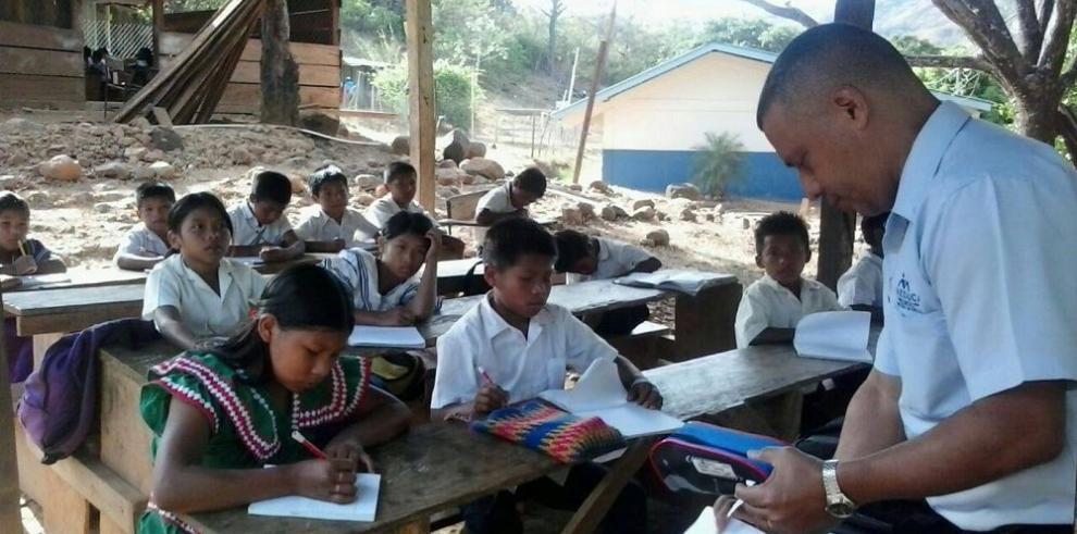 Educar en las zonas distantes resulta una tarea muy costosa