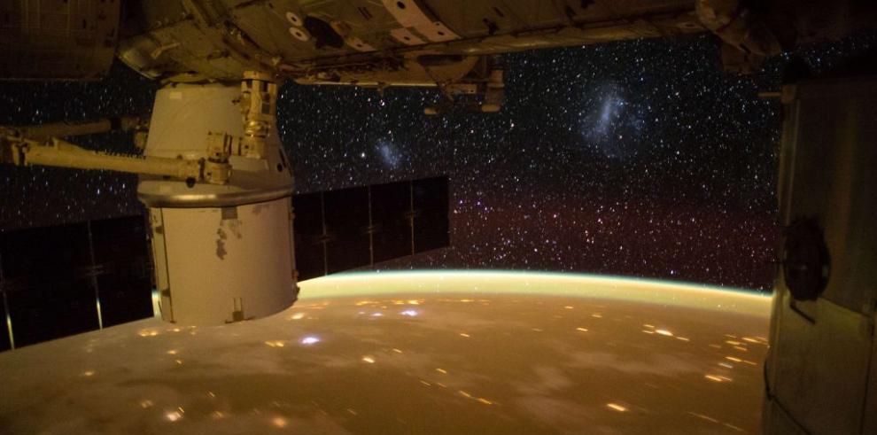 Tres espacionautas deben permanecer un mes más en la ISS