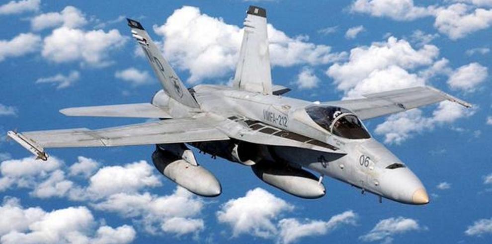 Avión de combate F-18 de EEUU cae en el Golfo