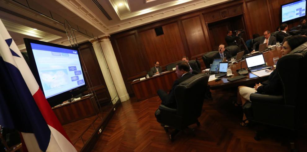 Gabinete avala terminación de contrato con empresa Pele System, Inc.