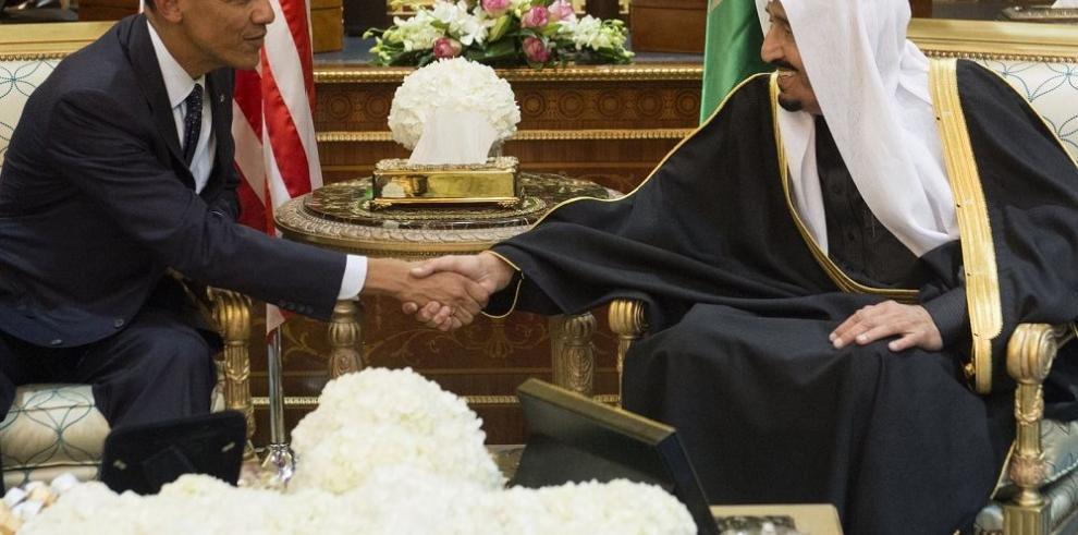 Una compleja relación sostenida por el petróleo