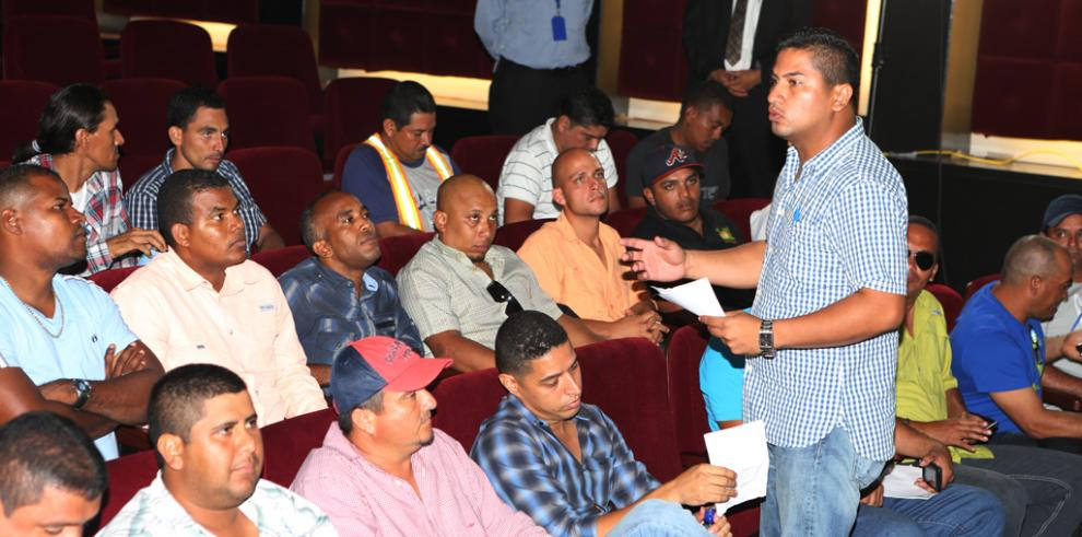 Presidente Varela se reúne con los transportistas de carga