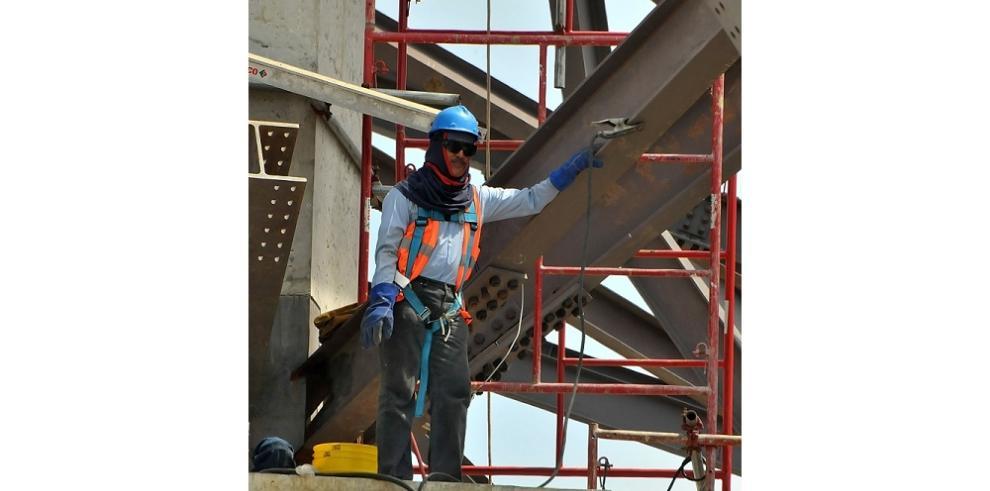 Capacitan a trabajadores en el día de la Seguridad y Salud ocupacional