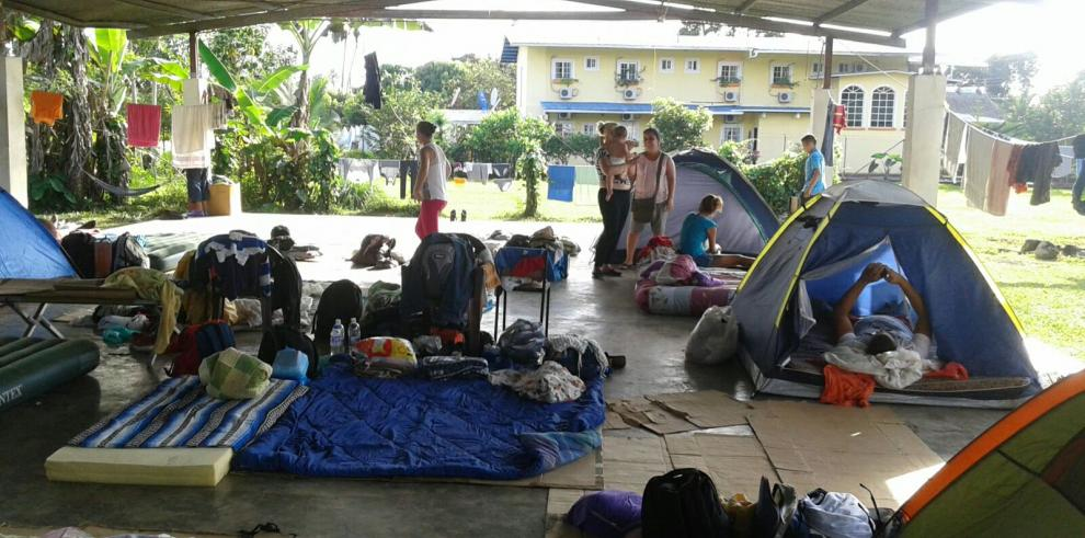 Cruz Roja pide apoyo para cubanos que aumentan en Paso Canoas