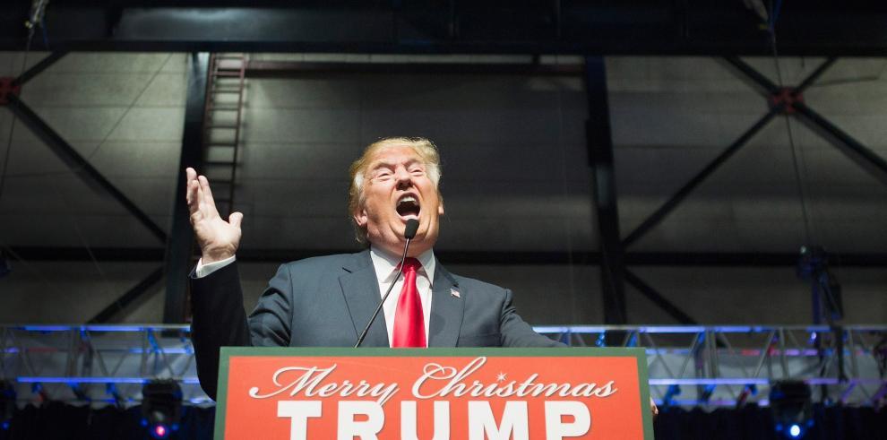 Trump critica a Bill Clinton por su 'historial de abuso de mujeres'