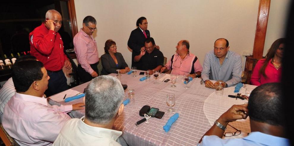 Bancada del CD evalúa ultimátum de su dirigencia