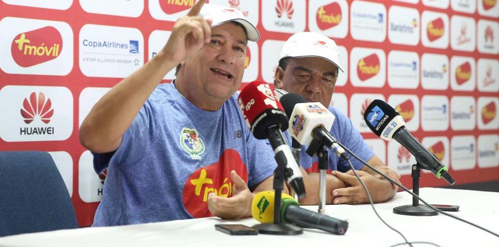 """""""Bolillo"""" elogia al """"Pipe"""" Baloy, pero por ahora lo descarta"""