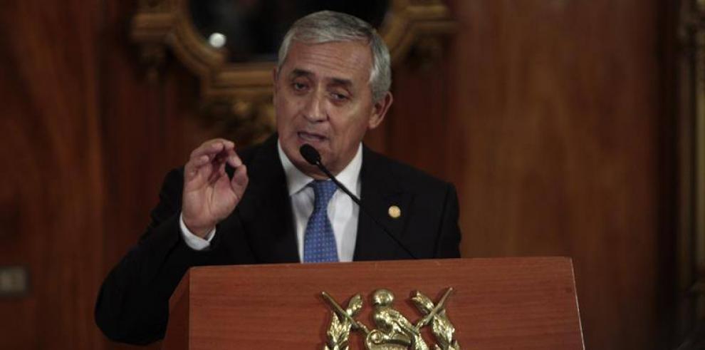Otto Pérez Molina sigue en el cargo y llama a no especular