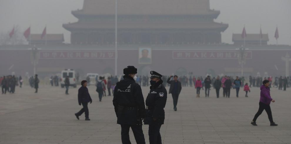 Pekín sigue en alerta roja por contaminación