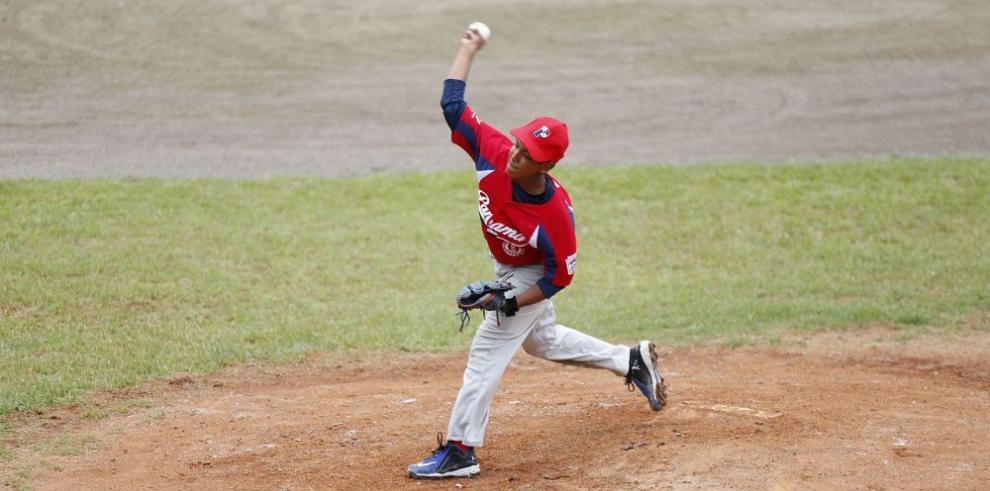 Panamá inicia con un triunfo sobre Ecuador