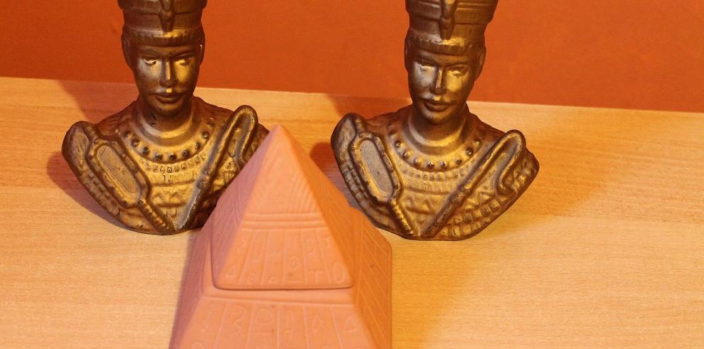 Egiptólogo británico viajará a Luxor para hallar tumba de Nefertiti