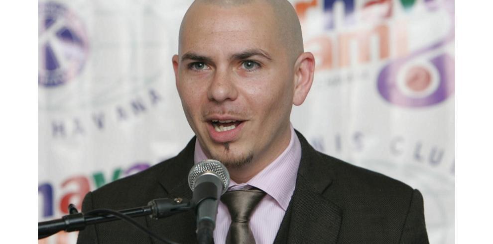 Pitbull, Santana y otras estrellas latinas se unen por los inmigrantes