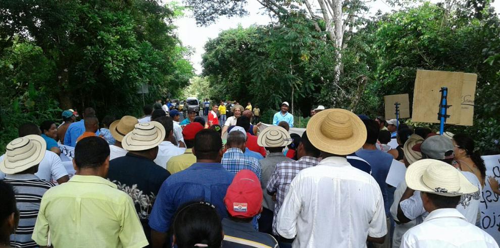 Moradores exigen apertura del Minsa-Capsi de Soná