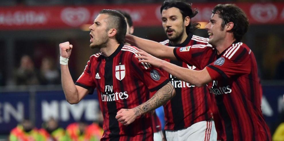 Italia vibrará con el clásico Milan-Juventus