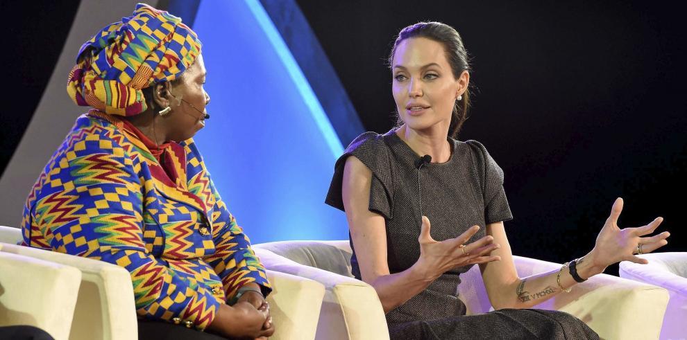Jolie insta a líderes africanos a combatir violencia contra mujeres