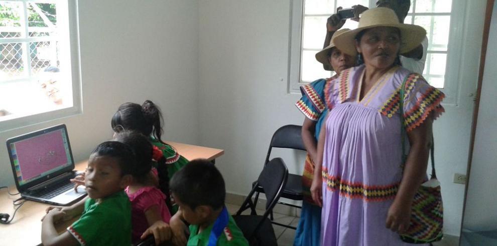 Indígenas esperan el inicio de la nueva mesa de diálogo