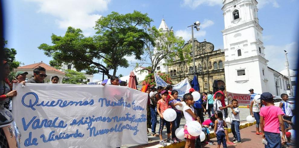 Veracruzanos reclaman viviendas