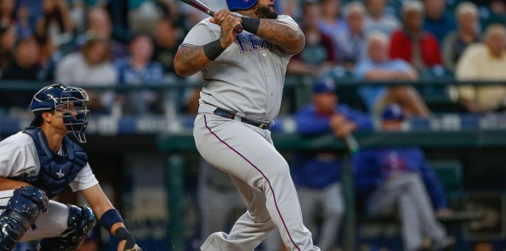 Prince Fielder da impulso nuevamente a los Rangers