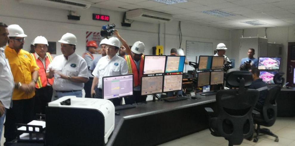 Diputados inspeccionan polémica termoeléctrica
