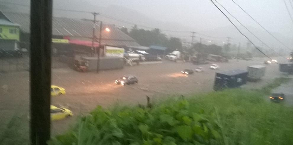 La lluvia provocó inundaciones en la provincia de Colón
