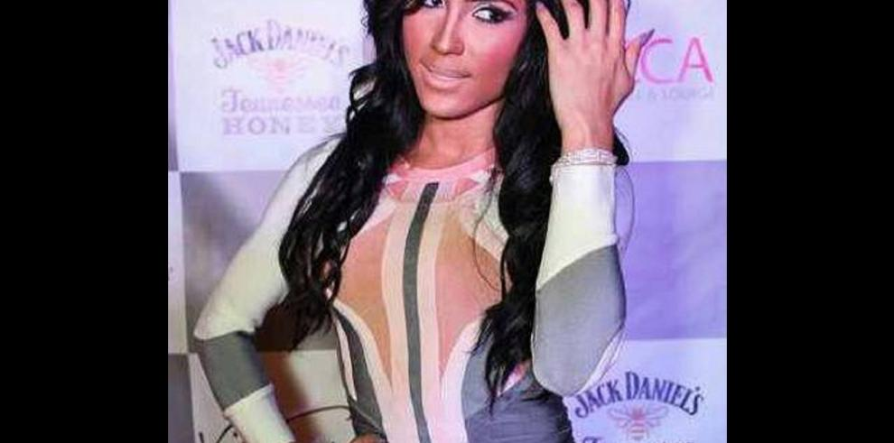 Thalia el transgénero que luce como Kim Kardashian