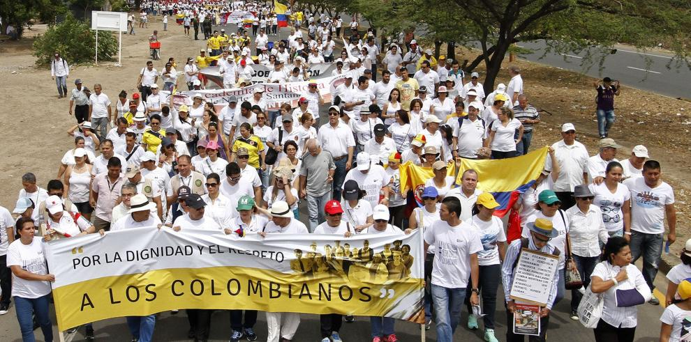 Colombianos marchan en ciudad fronteriza por crisis con Venezuela