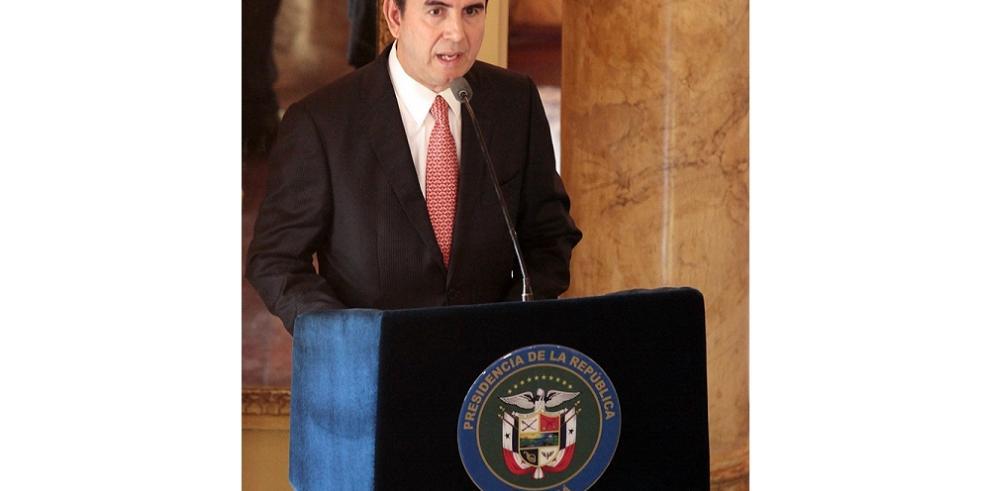 Ricardo Fernández es designado Superintendente de Bancos