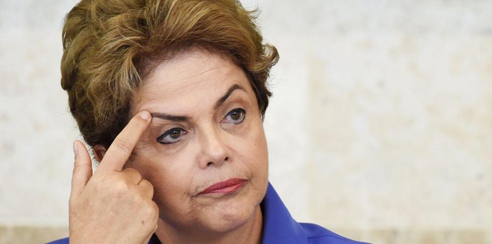 Rousseff busca apoyo en los gobernadores para enfrentar crisis