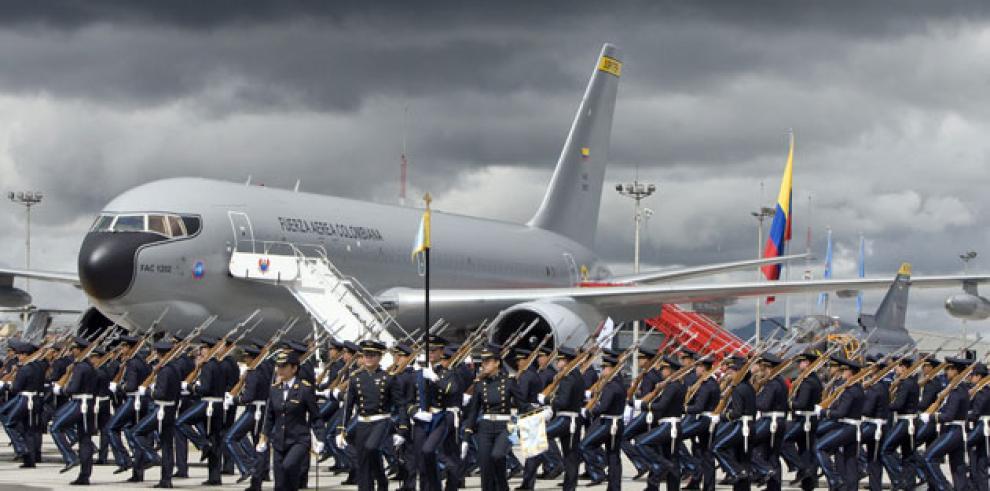 Doce muertos en accidente de avión militar en Colombia