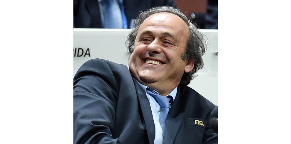 Joseph Blatter renuncia y pone fin a 17 años de reinado en la FIFA