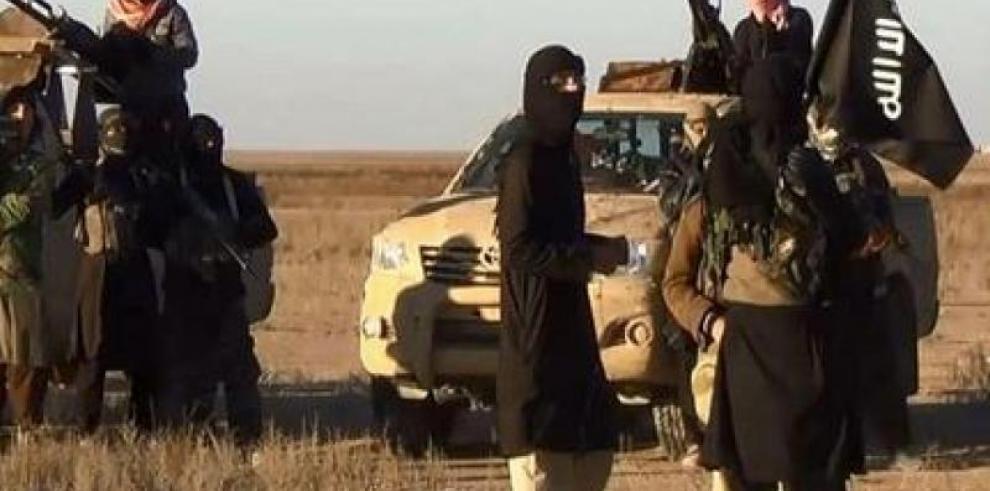 Estado Islámico degüella a tres soldados