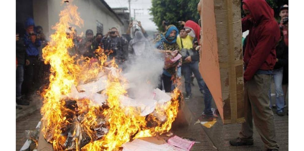 Tensión máxima en México tras suspensión de comicios en Tixtla