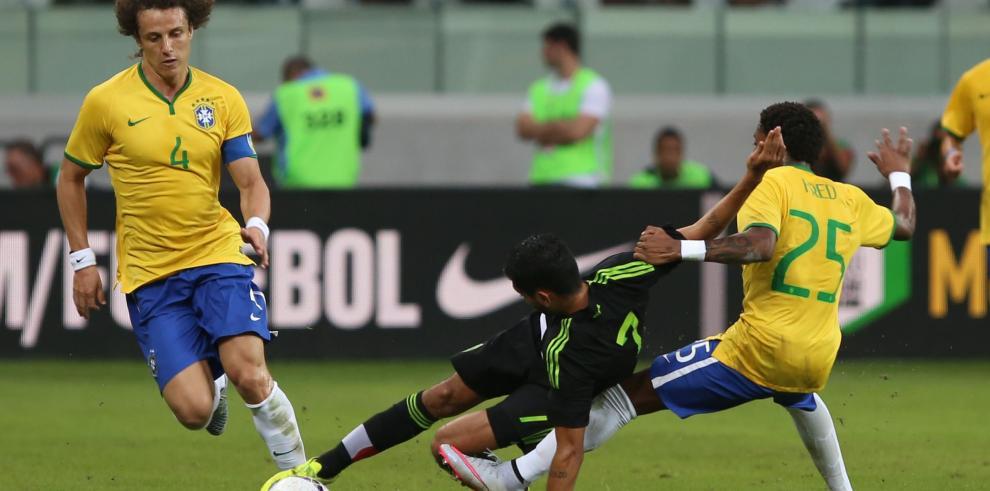 Brasil vence a México en amistoso de preparación a Copa América