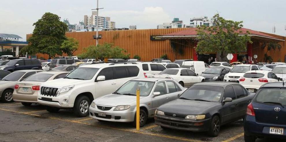 Los estacionamientos serán gratis hasta por tres horas