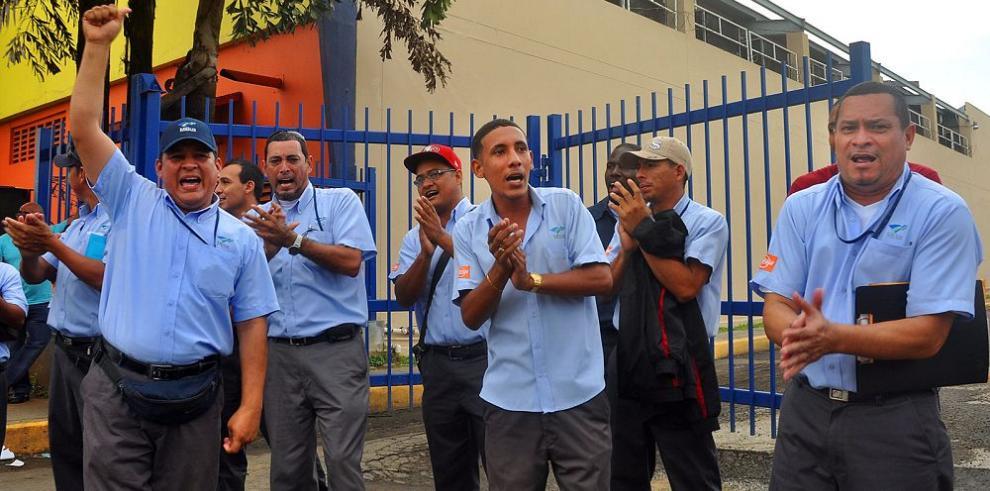 Operadores protestan contra Mibus