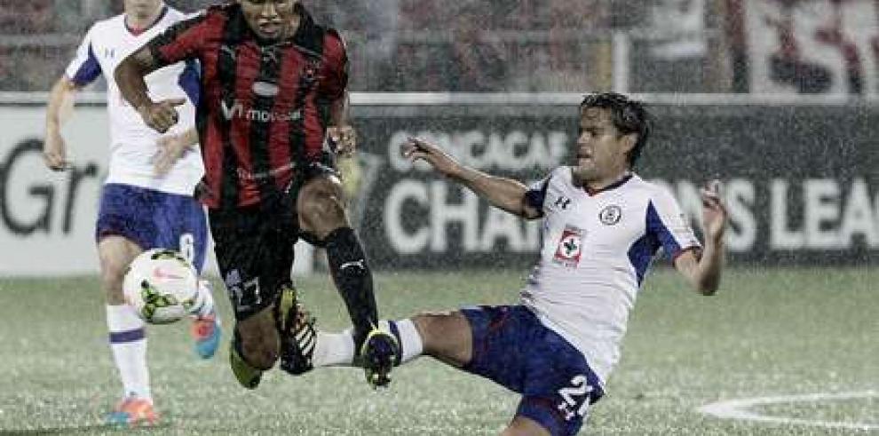 Concacaf sanciona a Alajuelense de Costa Rica por pelea ante Cruz Azul