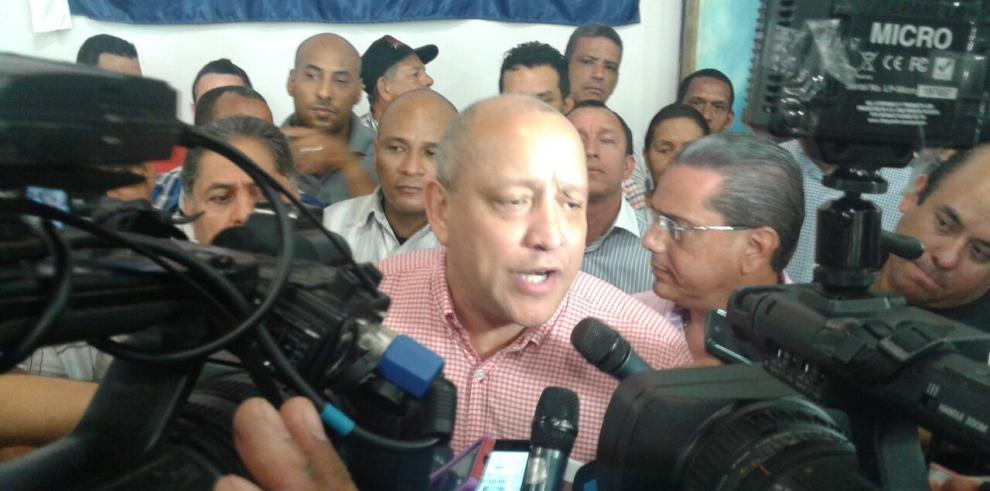 Crispiano Adames es candidato oficial del PRD