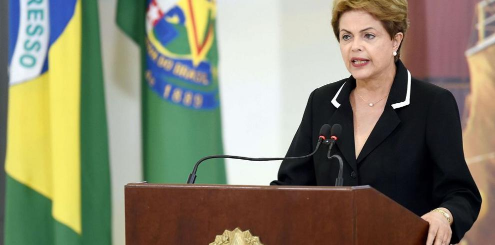 Petrobras recorta inversiones por corrupción