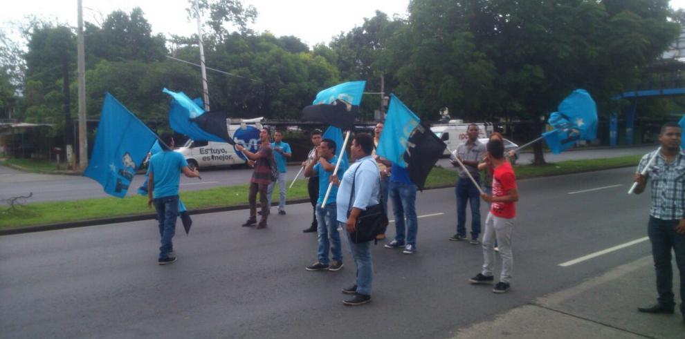 Universitarios protestaron contra la gestión de Varela
