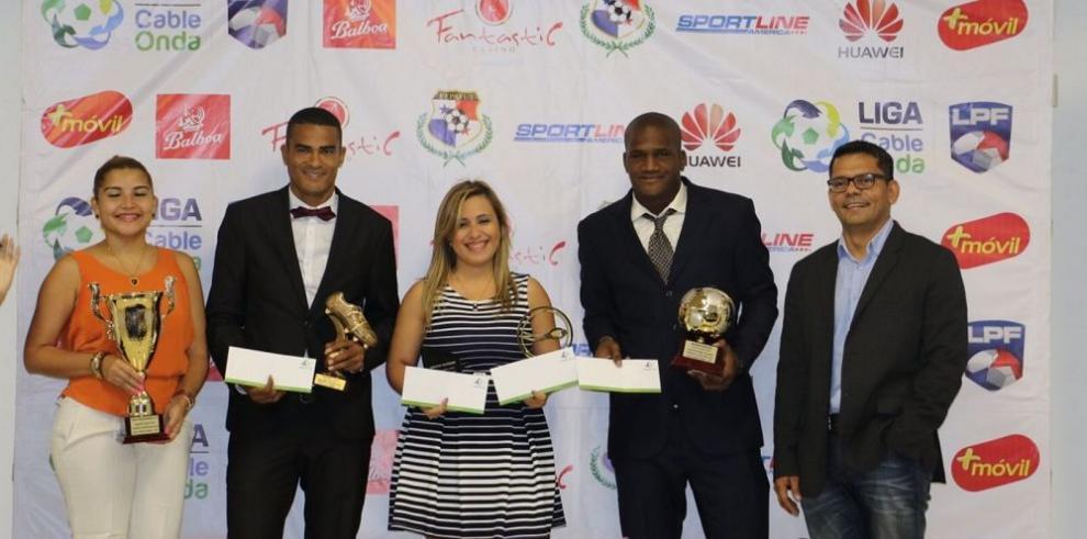 Árabe Unido arrasó con los premios en torneo Clausura