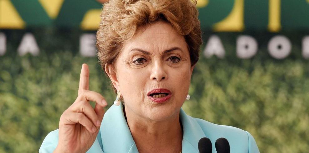 """""""No voy a caer"""", advierte la presidenta Rousseff"""