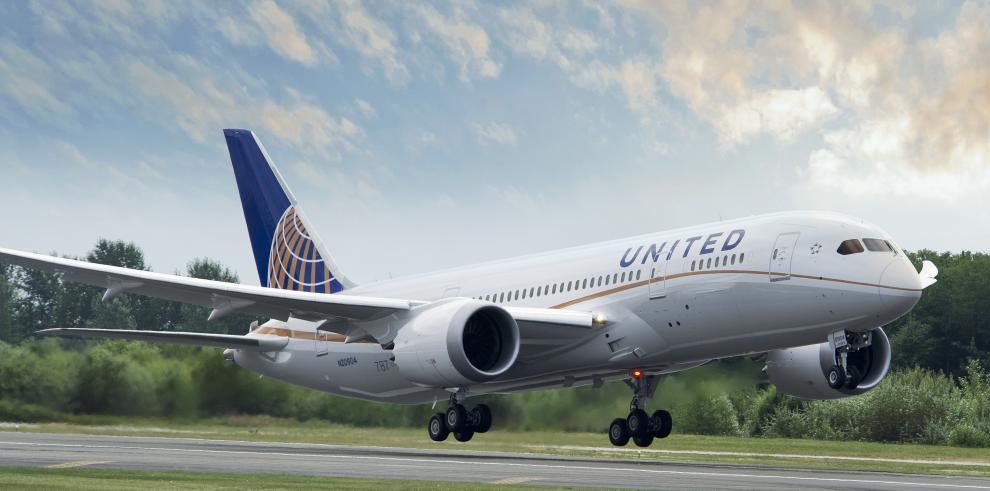 United Airlines suspende sus vuelos por fallo informático