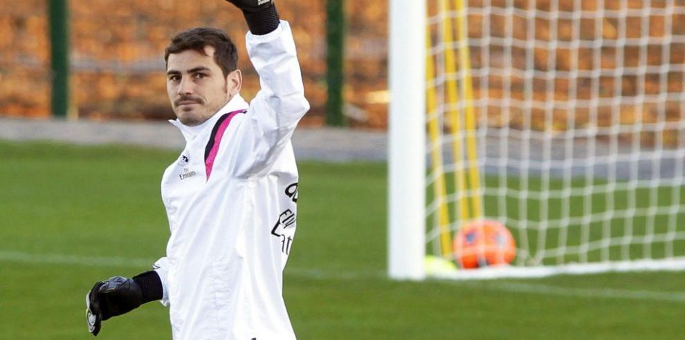 Casillas es tendencia en las redes por el interés del Oporto